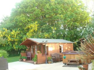 Pear Tree Lodge with Hot Tub - Patrington vacation rentals