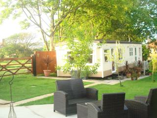 Lovely Caravan/mobile home with Internet Access and Grill - Patrington vacation rentals
