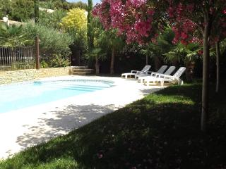 CESAR chambre d'hôtes de charme chez  VILLA MAOLNI - Toulon vacation rentals