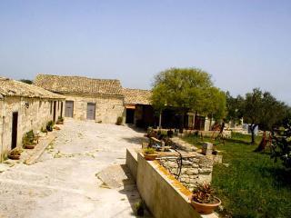 Agriturismo Tenuta Carbonara - Rosolini vacation rentals