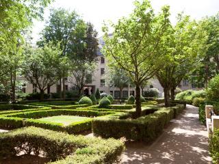 Latin Quarter Vacation Rental at Sorbonne Garden i - Paris vacation rentals