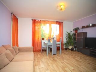 ID 5035 | 3 room apartment | WiFi | Laatzen - Laatzen vacation rentals