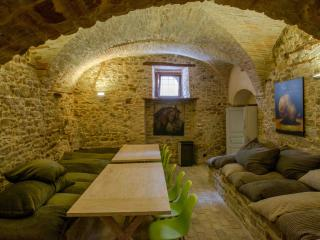 8 bedroom Condo with Internet Access in Cermignano - Cermignano vacation rentals