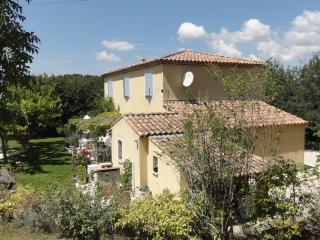 Maison Provence  Proximité AIX EN PROVENCE - Fuveau vacation rentals