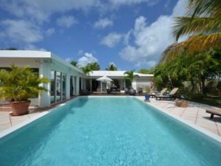 Wonderful 4 Bedroom Villa in Terres Basses - Baie Rouge vacation rentals