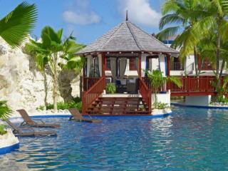 Amazing 3 Bedroom Villa on Gibbes Beach - Gibbes vacation rentals