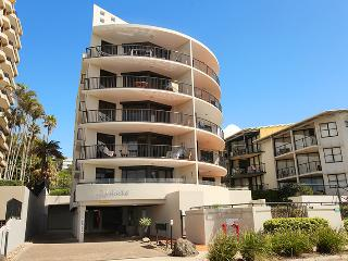 Unit 2, The Rocks, 1746 David Low Way Coolum Beach - Linen Included, $500 BOND - Coolum Beach vacation rentals