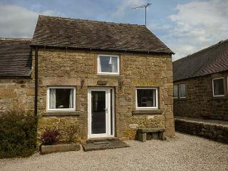 CURLEW COTTAGE, en-suite, WiFi, walks from the door, quaint cottage near Bakewell, Ref. 914071 - Bakewell vacation rentals