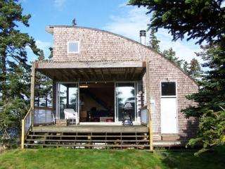 Beautiful House in Nova Scotia with Internet Access, sleeps 4 - Nova Scotia vacation rentals