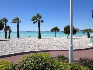 Beautiful Condo with Internet Access and A/C - Saint-Laurent du Var vacation rentals