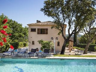 Lovely 4 bedroom Port Grimaud Villa with Internet Access - Port Grimaud vacation rentals
