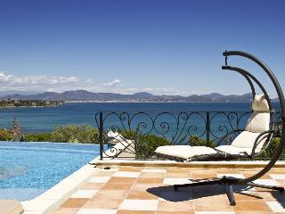 83.545 - Luxurious villa w... - Saint-Aygulf vacation rentals