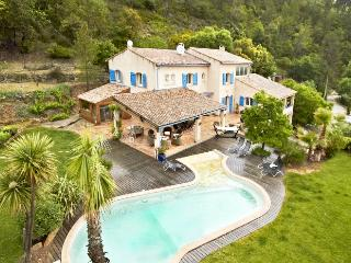 Nice Villa with Internet Access and Parking Space - Belgentier vacation rentals