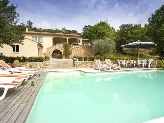 Charming Villa with Internet Access and Balcony - La Verdiere vacation rentals