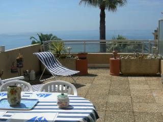 Nice Condo with Internet Access and A/C - Menton vacation rentals