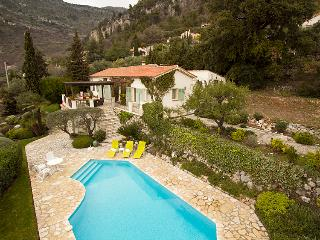 Charming 5 bedroom Saint Jeannet Villa with Internet Access - Saint Jeannet vacation rentals
