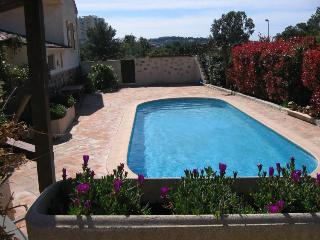 Nice Condo with Internet Access and Shared Outdoor Pool - Valescure vacation rentals