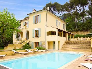 Charming Villa with Internet Access and Television - Nyons vacation rentals
