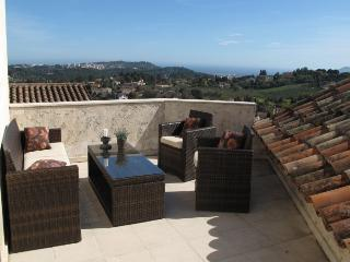 Beautiful Villa with Internet Access and A/C - La Roquette-sur-Siagne vacation rentals