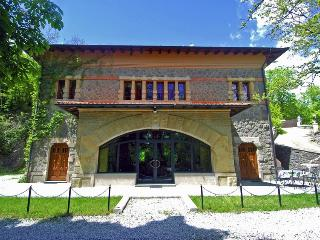 8 bedroom Villa with Internet Access in Pontepetri - Pontepetri vacation rentals
