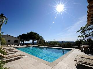 Lovely 10 bedroom Peymeinade Manor house with Internet Access - Peymeinade vacation rentals