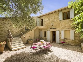 Beautiful Villa with Internet Access and Television - Villelaure vacation rentals