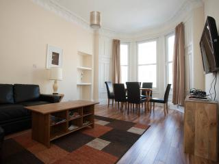 Charming 3 bedroom central apartment - Edinburgh vacation rentals