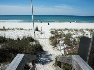 BEST DEAL IN TOWN...3 MINUTES WALK TO THE BEACH! - Panama City Beach vacation rentals