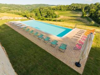 Stylish Perugia Countryside Apartment - Molino - Cenerente vacation rentals