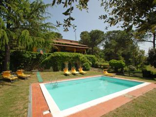 Villa Miralaghi WI-FI pool billiard bikes paths - Citta della Pieve vacation rentals