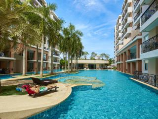 Nice 1 bedroom Pattaya Condo with Deck - Pattaya vacation rentals