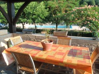 Bright Mayrinhac-Lentour vacation Gite with Dishwasher - Mayrinhac-Lentour vacation rentals