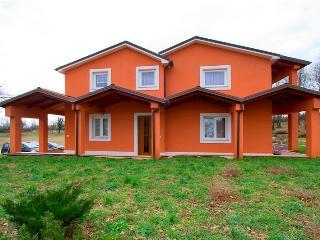 Nice 1 bedroom Condo in Divsici with Refrigerator - Divsici vacation rentals