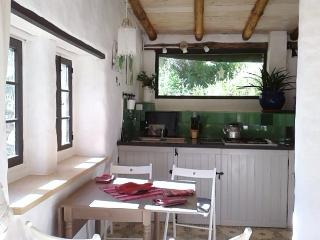 Casita Verde - chique eco cottage on La Molina - Setenil de las Bodegas vacation rentals