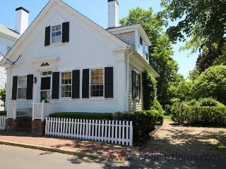 WALK TO TOWN FROM THIS ADORABLE IN-TOWN EDGARTOWN COTTAGE - Edgartown vacation rentals