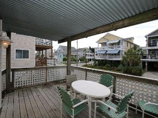 Klutz -  Enjoy your vacation at this centrally located condo in Beach Haven - Wrightsville Beach vacation rentals