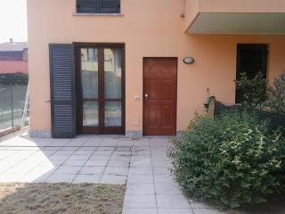 Romantic 1 bedroom House in Cassina Rizzardi - Cassina Rizzardi vacation rentals