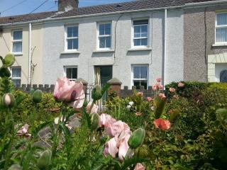 Beautiful 3 bedroom Cottage in Burry Port - Burry Port vacation rentals