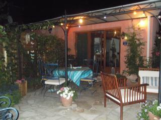 Cozy 2 bedroom Gite in Vers-Pont-du-Gard - Vers-Pont-du-Gard vacation rentals