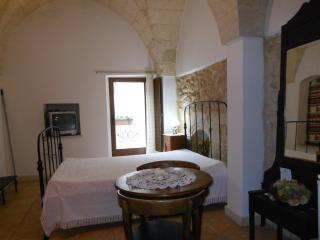 Cozy 1 bedroom Bed and Breakfast in Martano - Martano vacation rentals