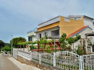 TH00561 Apartments Ivić / A5 Studio - Zaboric vacation rentals