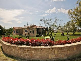 Perfect Villa with A/C and Television - Jursici vacation rentals