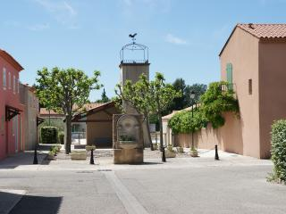 Gite in a Private Residence in Maussane, Provence - Maussane-les-Alpilles vacation rentals