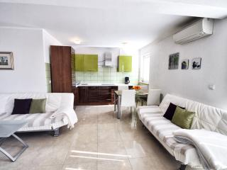 Apartments Link - Deluxe App. with sea view - Rovinj vacation rentals