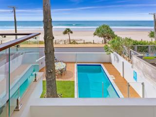 Perfect 6 bedroom House in Currumbin - Currumbin vacation rentals