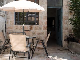 Historic downtown 2 bdr free parking - Jerusalem vacation rentals