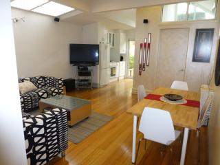 The Clifton -  Only 20 mins to MCG - Clifton Hill vacation rentals