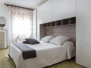 RENT-IT-VENICE Maggie House - Mestre vacation rentals