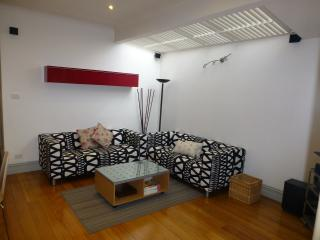 The Clifton - ONLY 10 mins to CBD - Clifton Hill vacation rentals