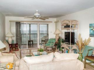 2BR Oceanfront Condo with King Bed, Elevator and WiFi! - Pine Knoll Shores vacation rentals